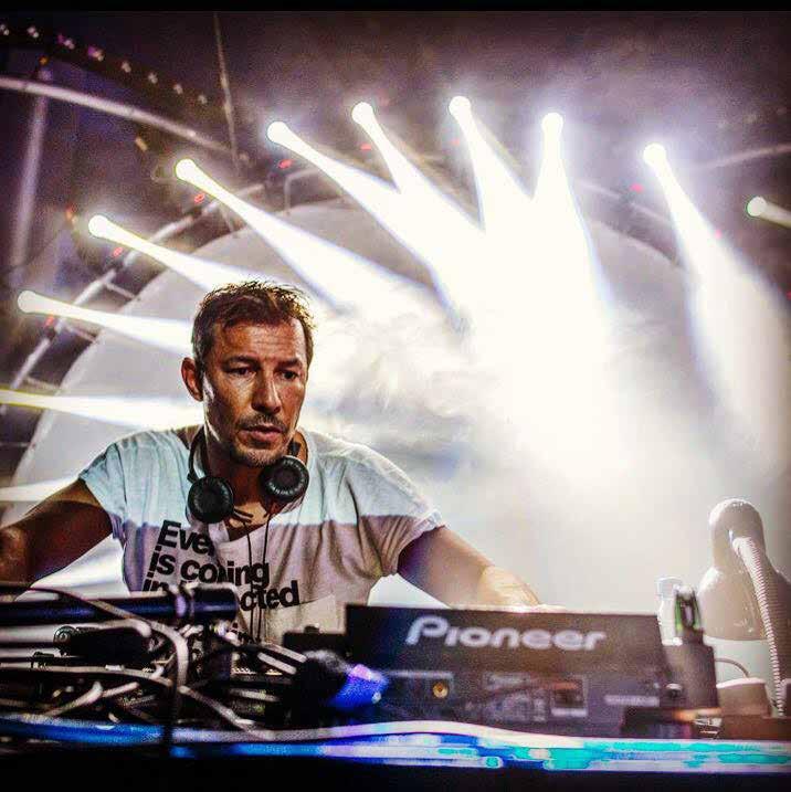 Carsten Plank am DJ-Pult