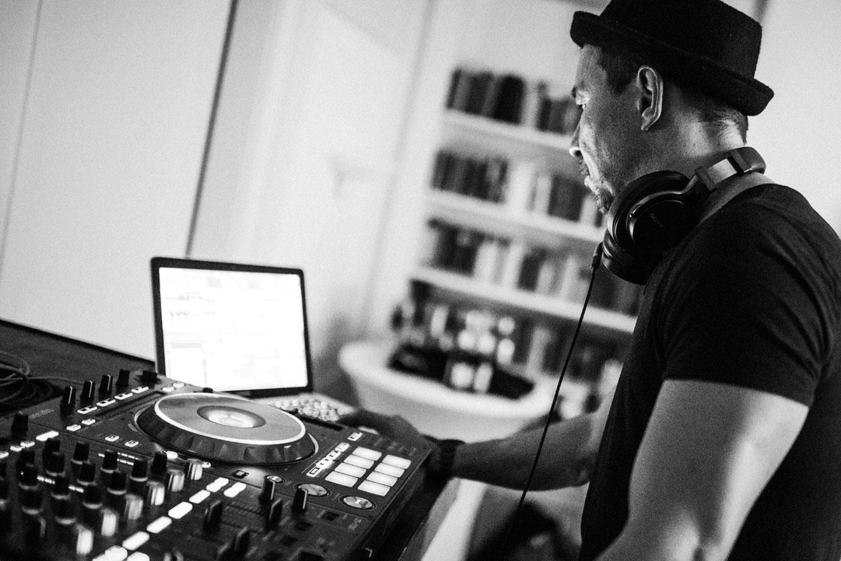 Carsten Plank DJing
