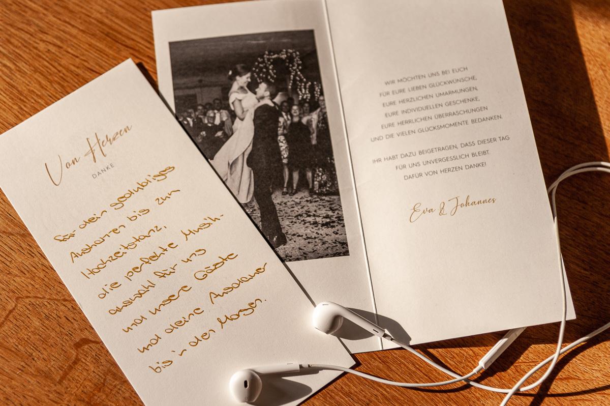 Dankeskarte von Hochzeitspaar Eva und Johannes für DJ Carsten Plank