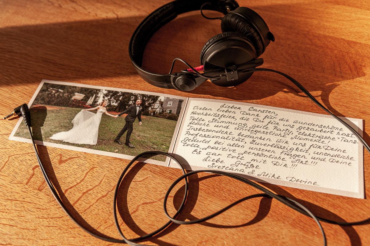 Dankeskarte von Hochzeitspaar Svetlana und Mike für DJ Carsten Plank